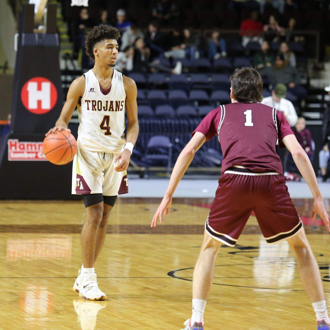 Schüler bei einem Basketballspiel