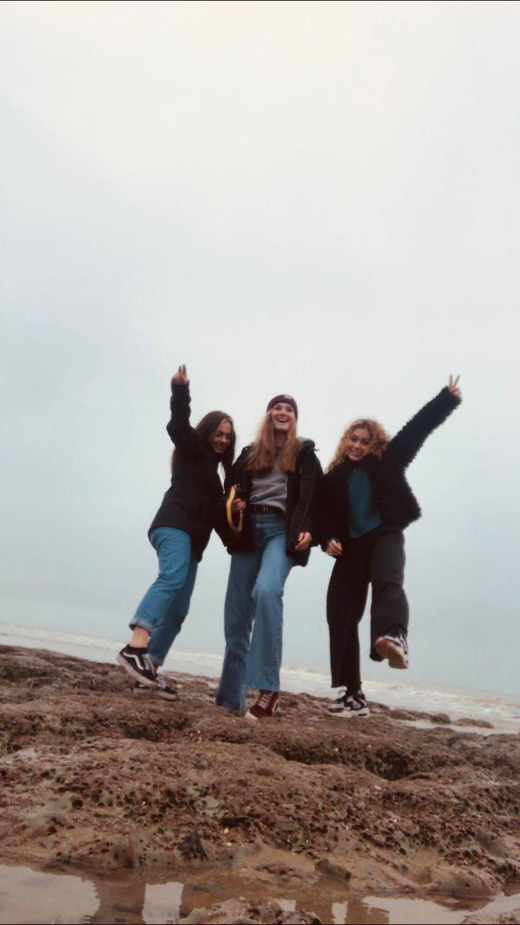 Gruppe von Jugendlichen bei einem Wanderausflug