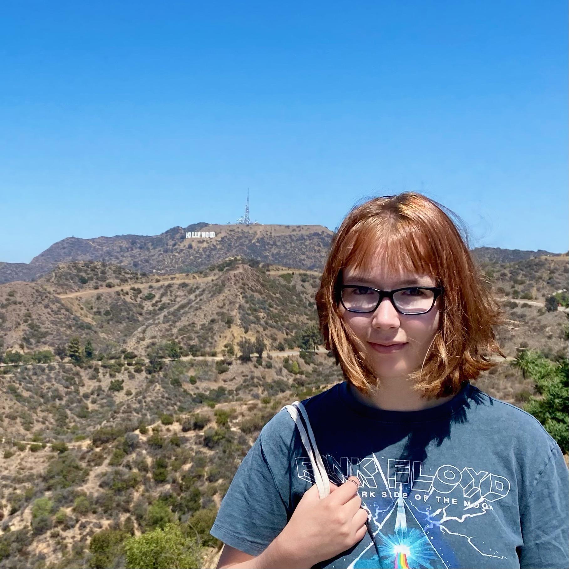Teilnehmerin während Ausflug zum Hollywood-Sign
